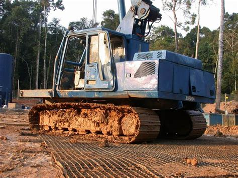 Mud Mats For Heavy Equipment by Construction Mats Support Heavy Equipment Vehicles