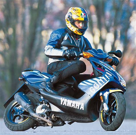 Yamaha Aerox Stickerbomb by Hot Moto Speed Yamaha Aerox 50cc