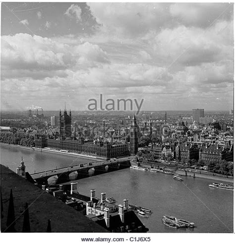 thames river great britain 1950s aerial london 1950s stock photos aerial london 1950s