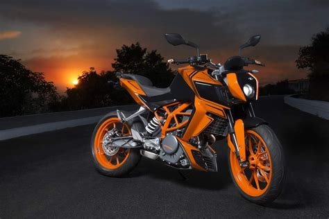 Ktm Duke 390 Bike Yuvraj Singh S X12 Is Nothing But A Customized Ktm Duke