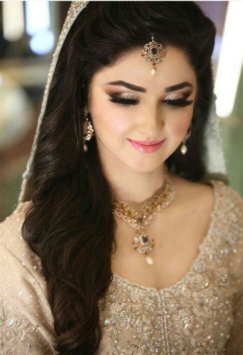 long hair style in pakistan the 25 best pakistani bridal makeup ideas on pinterest