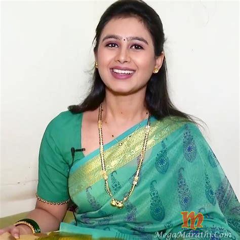 mrunal dusanis mrunal dusanis marathi actress biography hd photos wallapers