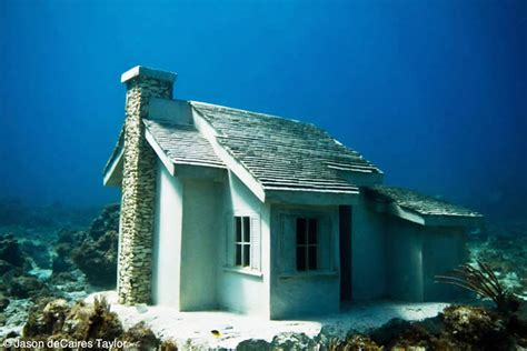 underwater houses urban reef jason decaires taylor creates an underwater suburbia to revive cancun s