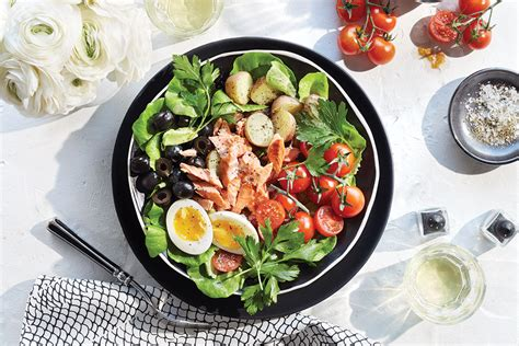 Fast Easy Dinner Salad Nicoise by Salad For Dinner 4 Meal Size Salads With Canadian Ingredients