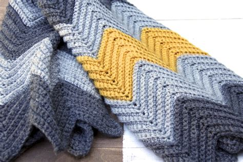 easy zig zag afghan crochet pattern pattern chevron zig zag baby blanket pattern by averysloft