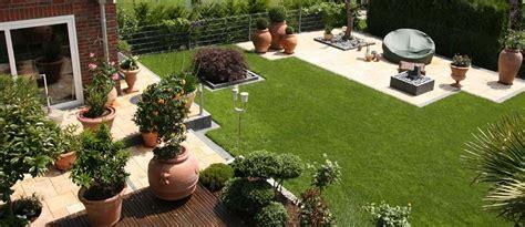 Gartenplatz Gestalten by Garten Neu Gestalten Bilder Kunstrasen Garten
