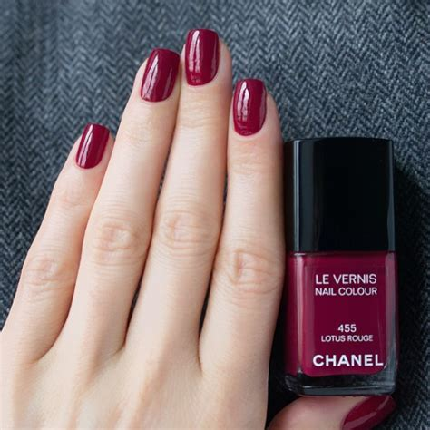 hottest nail colors for january 2014 best nail polish brands stylecaster