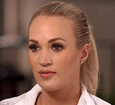 carrie underwood eye color carrie underwood shows scars in tv since