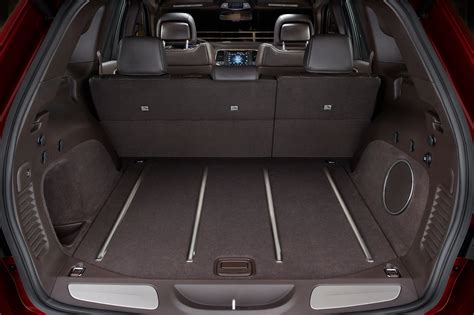 Jeep Grand Trunk Space Jeep To Replace Patriot Compass In 16 New Grand Wagoneer