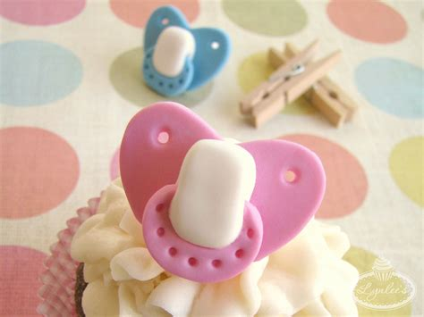 www tutorial binky baby fondant pacifier tutorial lynlees
