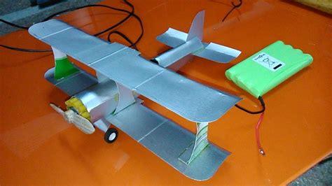como hacer un avion de material reciclable avi 243 n de cart 243 n planeando 1 2 partes youtube