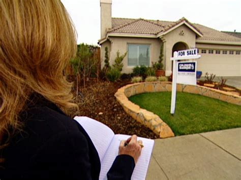 The Problem With House Hunters