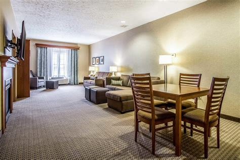 Comfort Suites Berlin Ohio by Comfort Suites Hotel And Conference Center At 4810 Tr 366