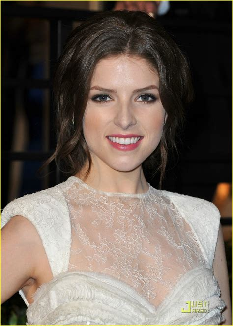 full sized photo of anna kendrick lacy back 04 anna