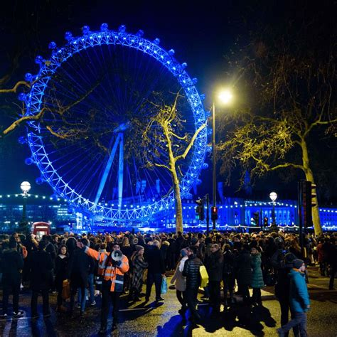 new year 2016 uk events new year s fireworks tips for ticketholders