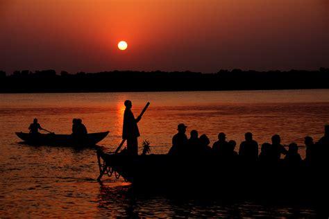 boat store in kolkata want a sleeping site to calcutta to ahammadabad ixigo