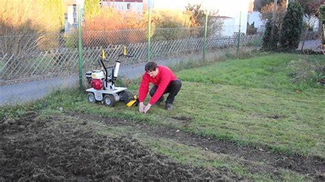 Grasnarbe Entfernen by Rasensch 228 Lmaschine Mieten Bei Rentas Anleitung