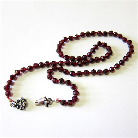 rhodolite garnet bead necklace with from rubylane things