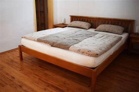 lavendel im schlafzimmer ferienwohnung lavendel im weingut fabio in g 246 cklingen in