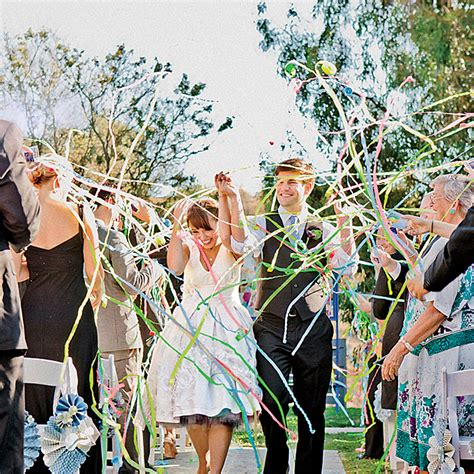 Wedding Exit Ideas by Six Wedding Exits Worth Doing