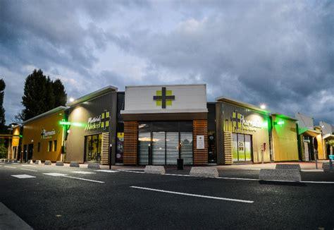 Facade Pharmacie Moderne by Fahrenberger N 176 1 De L Am 233 Nagement Et De L Agencement De