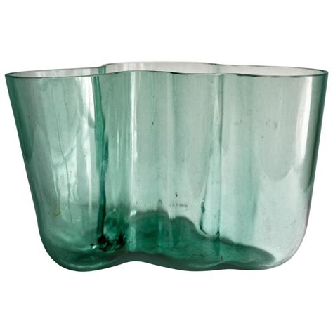 early alvar aalto savoy 9750 vase for sale at 1stdibs