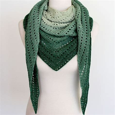 easy knit lace shawl pattern 25 best ideas about shawl on crochet shawl