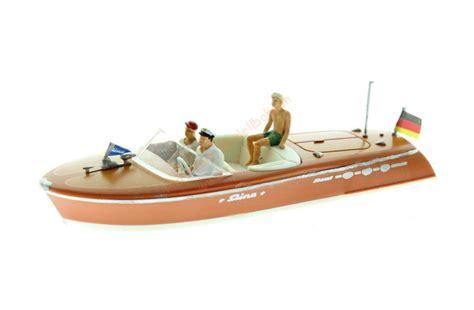 Preiser 10689 Motor Boat Riva Ariston ho motorboot riva ariston preiser 10688