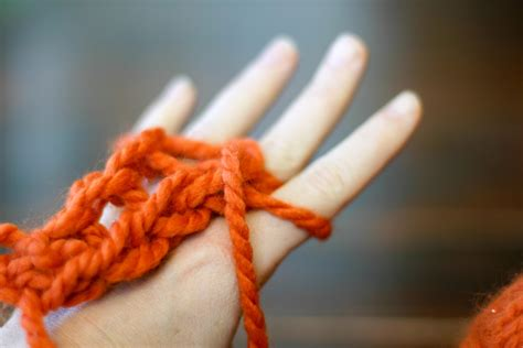 finger knitting enkindle finger knitting how to