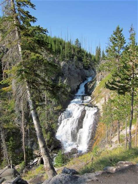 mystic falls trail yellowstone national park