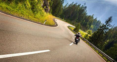 Motorradfahren Bei Wind by So Machen Sich Biker Fit F 252 R Die Motorrad Saison Weekend At