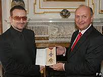 Bono Was Knighted by News Entertainment Bono Receives Honorary Knighthood
