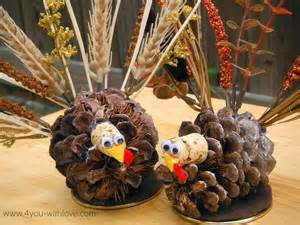 turkey decorations pinecone turkey table decorations turkeytablescapes 4 you with