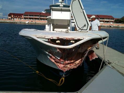 invincible 36 survives 30 mph crash into rocks the hull - Invincible Boats 36