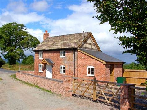 point cottages point cottage in on wye sleeping up to six in two bedrooms this quality