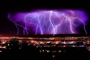 awesome lighting wallpapers hd desktop wallpapers free online lightning strikes