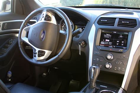 Ford Explorer 2011 Interior by 2011 Ford Explorer Pictures Cargurus
