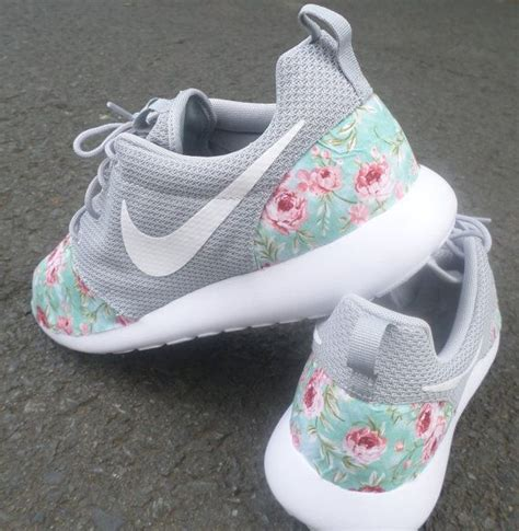 Sepatu Nike Free 5 0 Floral Ungu custom nike roshe run wolf grey floral by customkicksworld