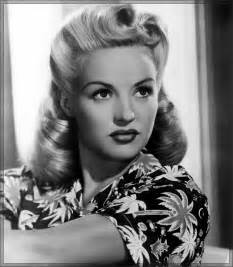 31 simple and easy 50s hairstyles with tutorials