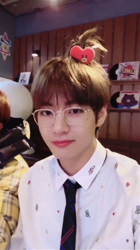 kim taehyung tata taehyung is just to cute with tata in his hair bts