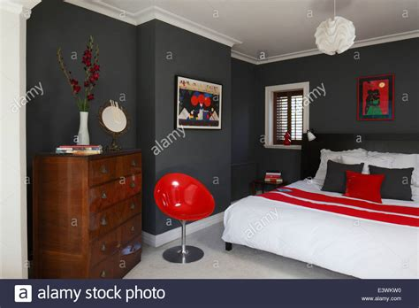 red home decor ideas red and grey bedrooms dgmagnets com