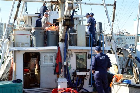 Coast Guard Background Check Coast Guard Rs Up Safety Checks For Fishermen In Preparation For Dungeness Crab