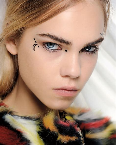 new beauty trends fashionable makeup looks refinery29 mac s new season beauty trends celebrate the individual