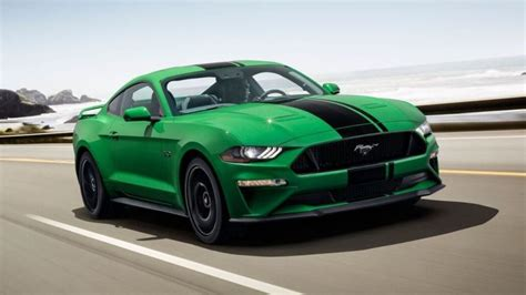 ford mustang cements    year   green comeback