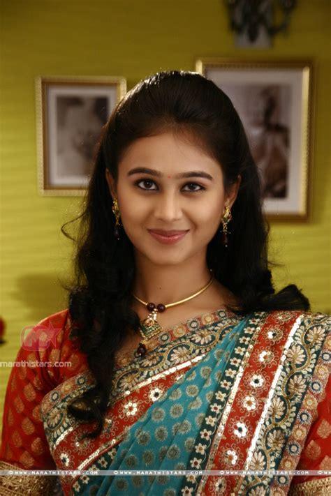 mrunal dusanis marathi actress photos wallpapers biography mrunal dusanis marathi actress photos wallpapers biography
