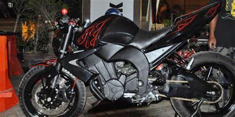 dunia modifikasi modifikasi motor byson warna hitam