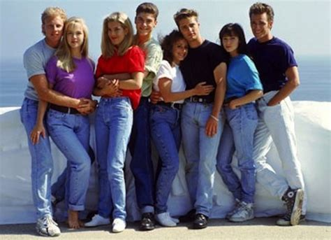how to wear the 90s 11 fashions the were wearing back in 1993 mental floss