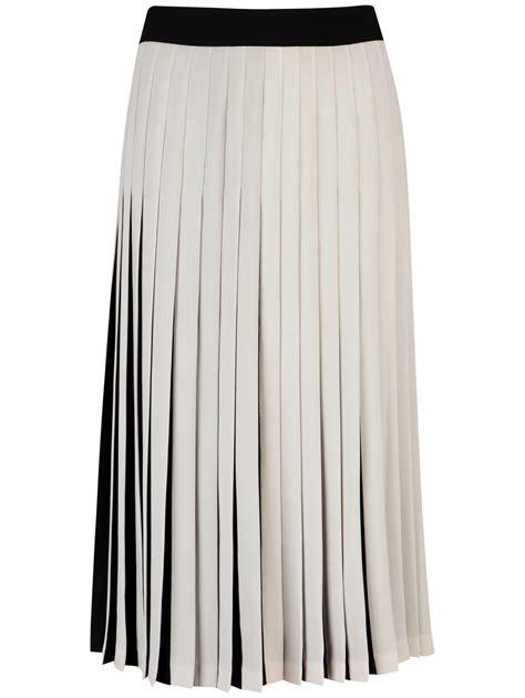 black and white pleated skirt redskirtz