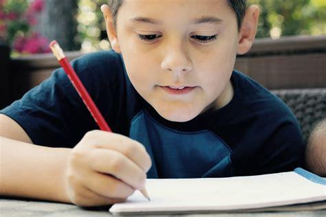 imagenes comicas de niños estudiando ni 241 o estudiando juan 1 16