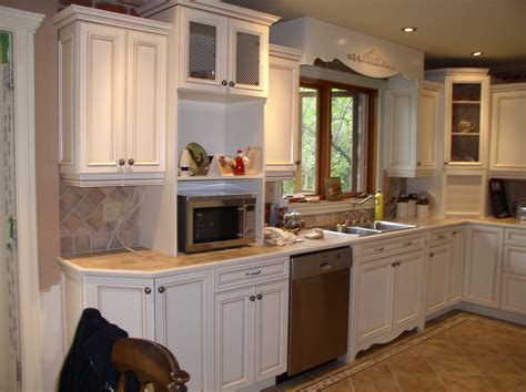 How To Refinish Kitchen Cabinets Yourself Refacing Kitchen Cabinets Cost Painting Vs Refacing Kitchen Cabinets On Kitchen With Cost Of